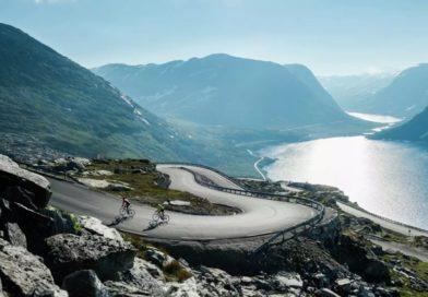 Le mont Dalsnibba par le fjord de Geiranger
